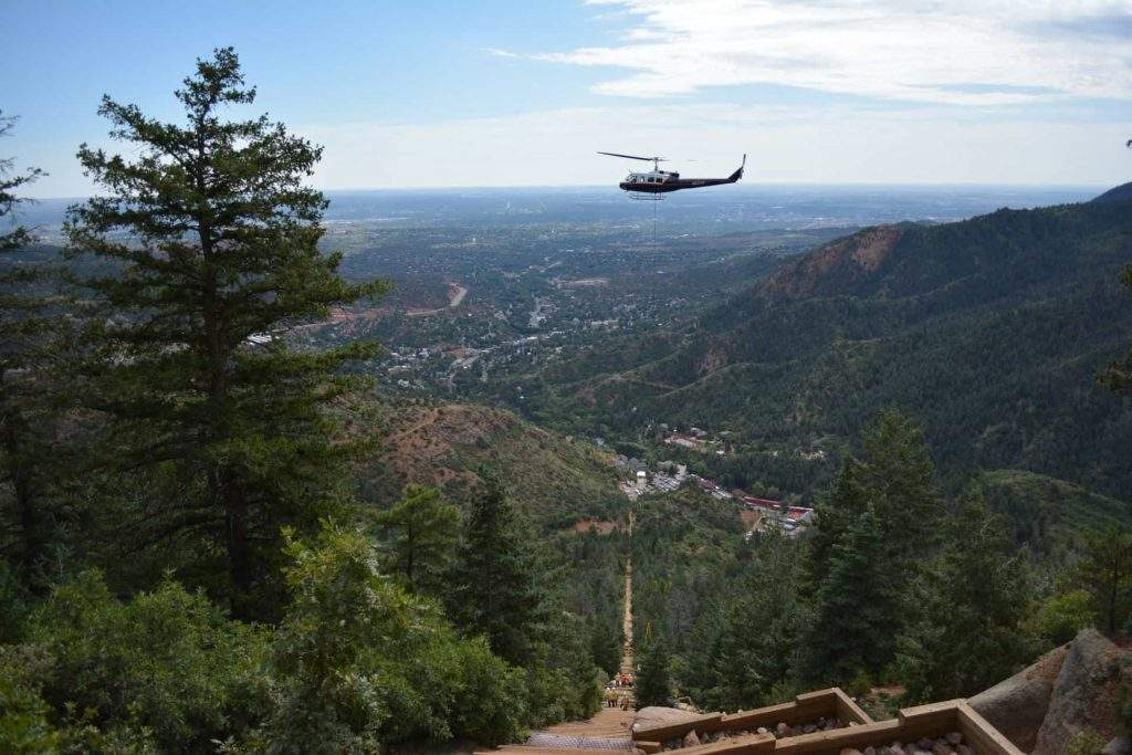 Helicopter delivering supplies to the Manitou Incline
