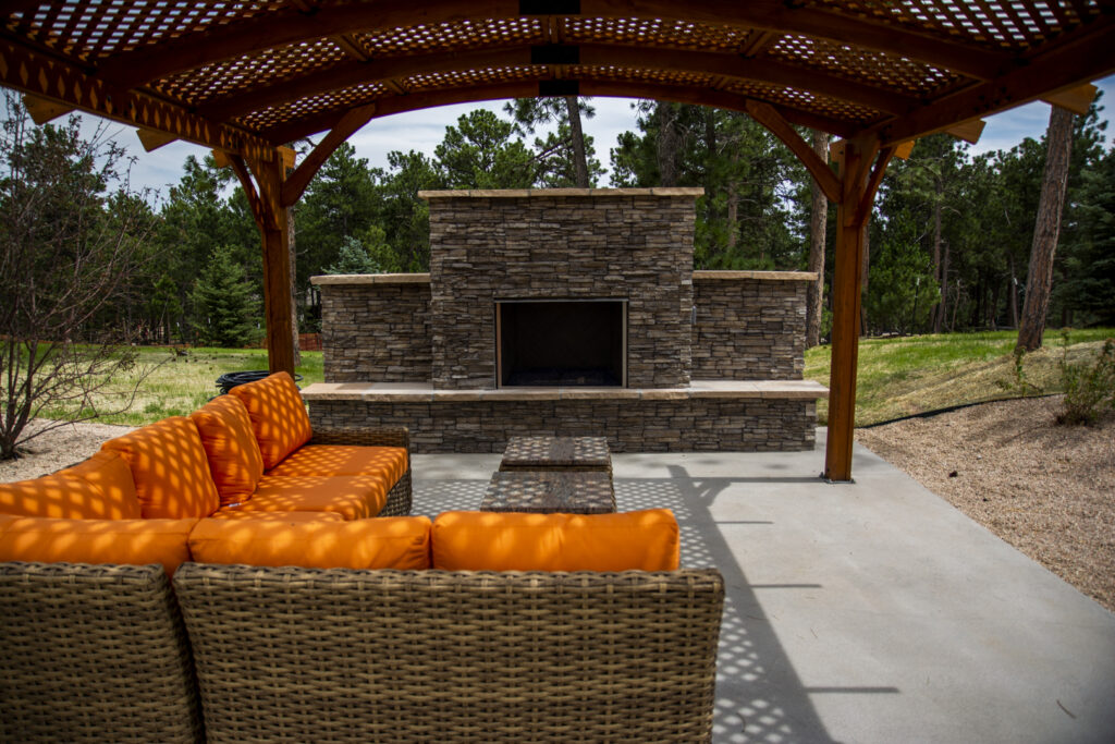 outdoor fire place with pergola