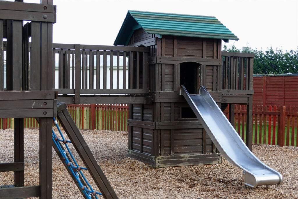 swing set play ground